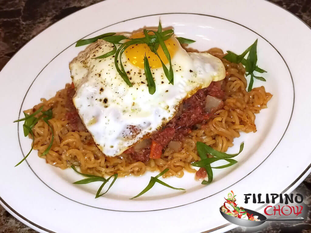 Pancit Canton Corned Beef and Egg
